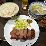 Gyutansumiyakirikyuu - 牛たん「極」定食(大盛)2,549円(税込)             (牛たん極焼3枚6切れ、麦飯、テールスープ、小鉢)