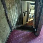 CAFE DROME - 階段で2階へ