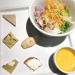 ラ・パンセ - 前菜6種盛りとミックスサラダ