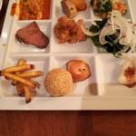 Ocean table - ローストビーフ、サラダ、ごま団子、おさつバター、チーズタッカルビなど