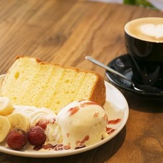 【手作りシフォンケーキ】ケーキセットが定番