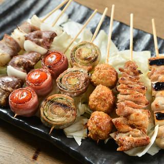 串のネタは日本各地から仕入れ!福岡で定番の豚バラもおすすめ○