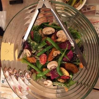 厳選した自然栽培野菜をそのままご提供。素材の味を楽しめます