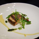 ル マルシャンド ボヌール - 魚料理。