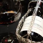 ル マルシャンド ボヌール - 赤ワイン。 2006 Nuits-Saint-Georges Clos des Corvees Pagets