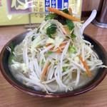ラーメン まるとも - 料理写真:タンメン 680円 税別表示