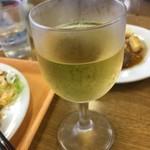 グッドラックカフェ - 白・赤ワインもあります