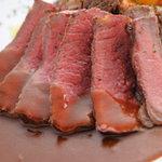 トラットリア シェ ラパン - 絶妙な焼き加減が肉本来の旨味を引き出した、シェフ渾身の一皿!