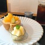 ランチ&カフェ 辻八 - ロールケーキと柚子シャーベット