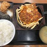 からやま - 料理写真:【2018.6.23】赤辛定食 (ライス大盛り)¥690