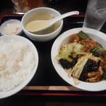 九龍 - 日替りは回鍋肉¥750-