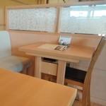 赤坂 ふきぬき - [内観] 店内 テーブル席 ①