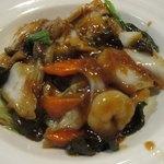 中華料理 回味 - 五目焼きそば接写