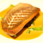 ゴーシェ - ランチコース 4640円 の真鯛のポワレ サフランソース