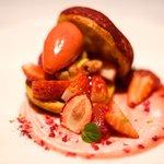 ゴーシェ - ランチコース 4640円 の苺のパリ・ブレスト