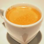 ゴーシェ - ランチコース 4640円 のコーヒー ロシエン・ノワ・ド・ココ添え