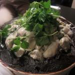 88386935 - 牡蠣の土手鍋