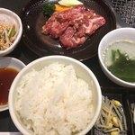 88388764 - 牛焼肉カルビランチ(税込1,000円)