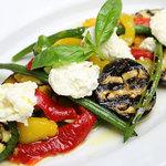 イタリア食堂 MARIA - ペペロナータと夏野菜のマリネ自家製リコッタチーズ添え