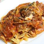イタリア食堂 MARIA - サバとレーズンの辛口トマトソース
