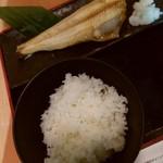 酒蔵 季 - しまほっけ(サラダバ-なし)の左側