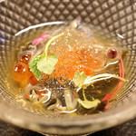 平和寿司 - 秋田県産のジュンサイ