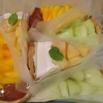 88413058 - 今回買ったタルト                       ・桃とチーズのタルト                       ・熊本県産肥後グリーンメロンのタルト                       ・波型マンゴーのティラミス