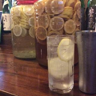 自家製レモンサワー&レモン漬け込みハイボール