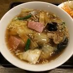 キングスランド - 五目餡かけ湯麺