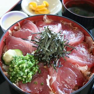 ぶえん - 料理写真:「かつお丼」漁師飯をアレンジした枕崎の名物丼