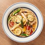 キッチンペロリ - 本日の野菜とアンチョビのスパゲッティ