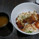 チカカフェ - チキン南蛮ボウル(850円)