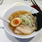 魚べい - 料理写真:醤油ラーメン背脂入り