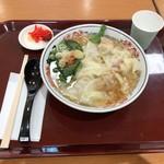 丸醤屋 - 肉海老ミックスワンタン麺918円税込