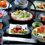 元湯 玉川館 - 料理写真:お料理の一例です お献立は毎月変わります