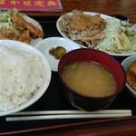 徳次郎食堂 - おまかせ定食(ご飯普通盛り)こんにゃく一口かじっちゃいました(^^;