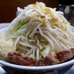 ラーメン ぶぅさん - 料理写真:ラーメン・ニンニクヤサイアブラショウガ(750円)