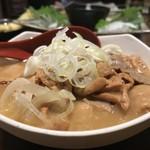 煮込み専門店マルミヤ - もつ煮 380円。
