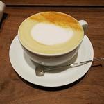 椿サロン 赤れんがテラス店 - ほうじ茶ラテ。
