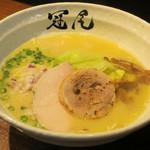 拉麺 冠尾 - 純白湯拉麺800円