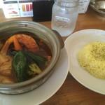 スープカレー&ステーキ 傾奇 - たっぷり生湯葉カレー通常980円