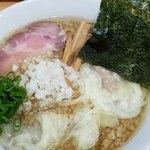 中華そば こてつ - ワンタン麺+背脂