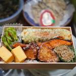 """根津松本 - 料理写真:世界一の""""のり弁""""2914円"""