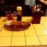 ブータン - ブータン@浜松 カツカレーと黄色いカウンター