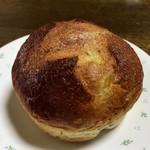 ベーカリーショップ じゃぱん - 紅茶とリンゴのパン 160円