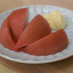大衆酒場 五の五 - 冷しトマト 200円