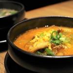 ロインズ - ユッケジャンスープとコムタンスープ