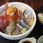 徳田屋食堂 - 料理写真:海鮮丼 1,300円