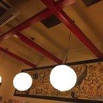 花門亭 - 落ち着ける店内照明
