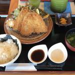 横濱屋本舗食堂 - 真アジフライ定食 1,000円